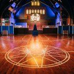 Terenuri de vis: Baschet în biserică